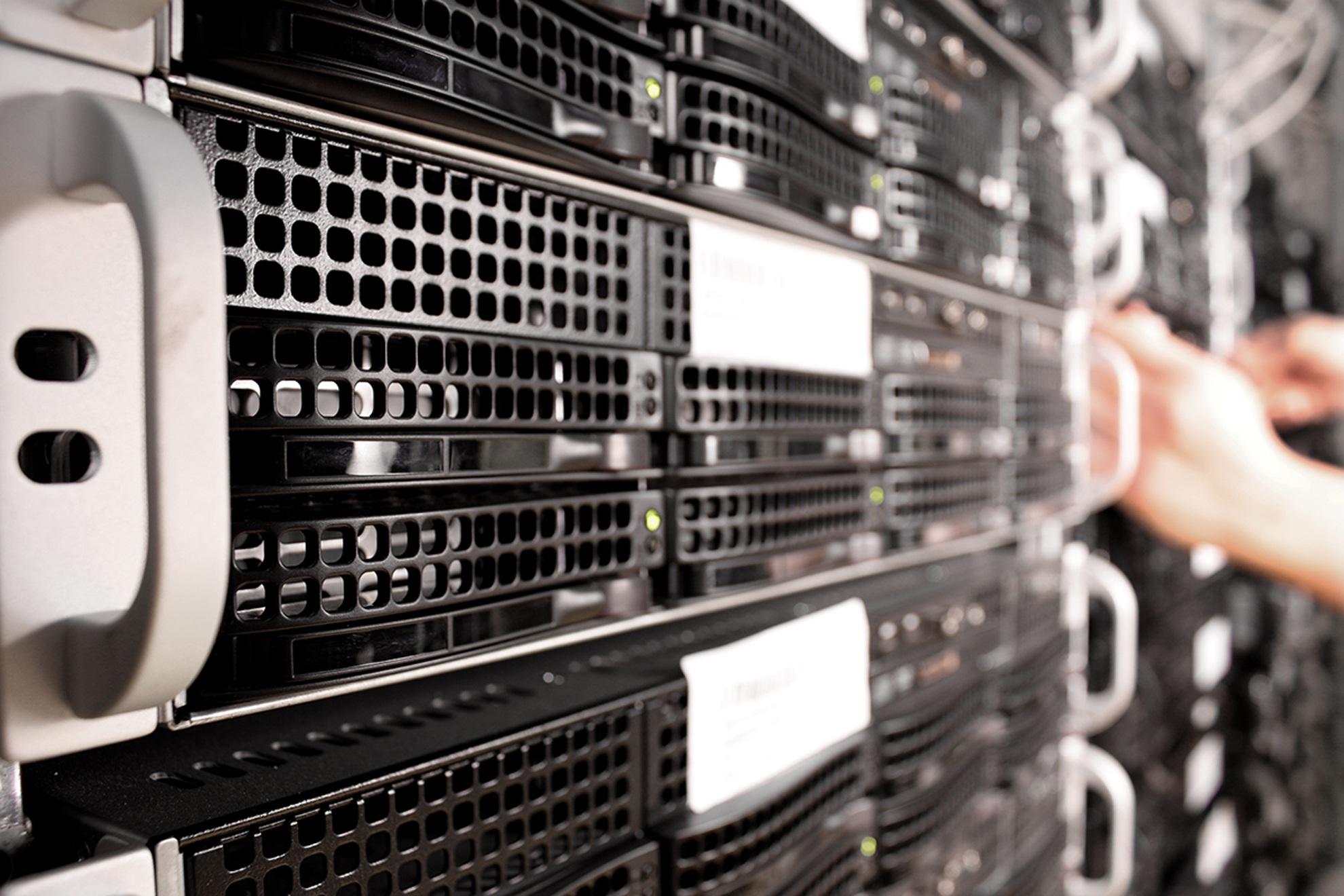 Webspace oder eigener Server