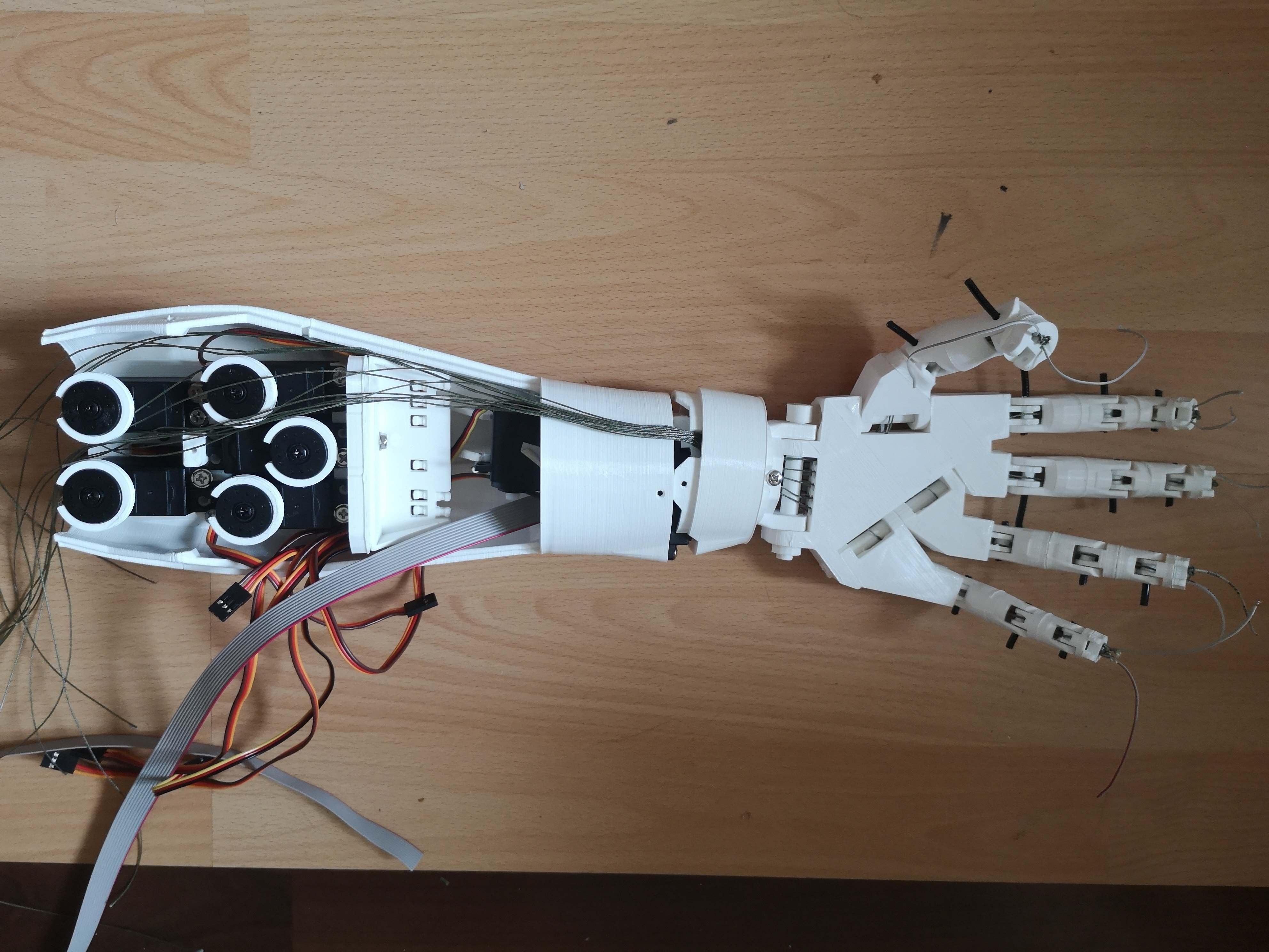 Roboterarm: Zusammenbau 1