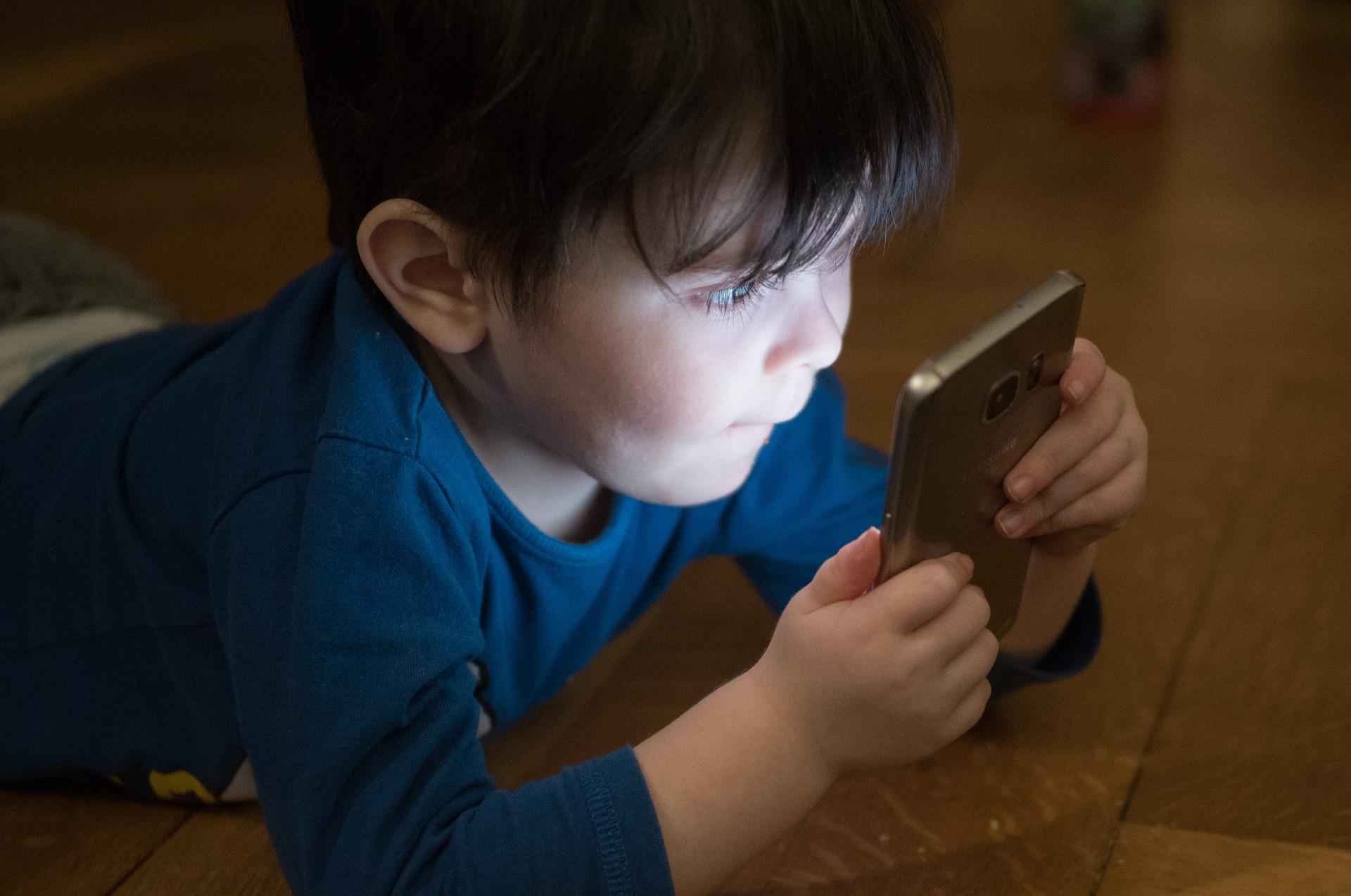 Sicherheit für Kinder mit Handy